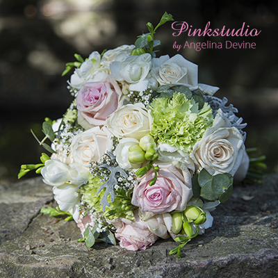 Pinkstudio-Angelina-Devine-Brudebuket-Håndbundet-Buket