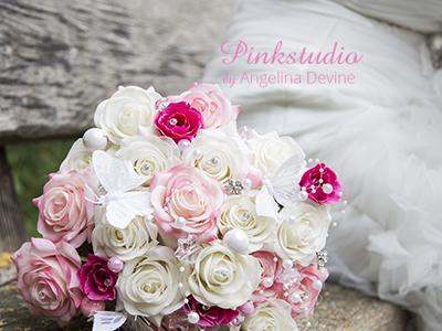 Pinkstudio-Angelina-Devine-Brudebuket-Håndbundet-buket-af-silkeblomster