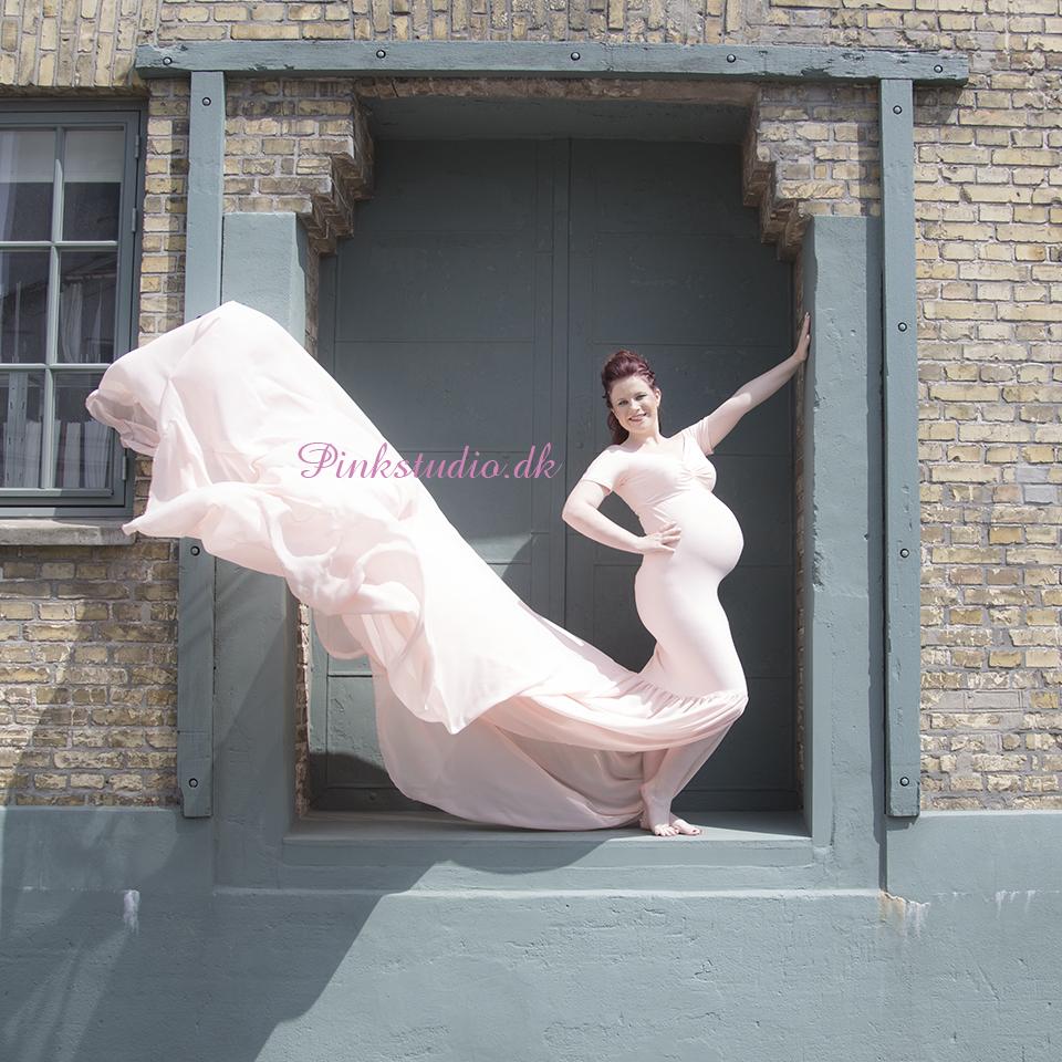 Pinkstudio by Angelina Devine Maria-ja-ja-486 Den grønne kjole - del 1 graviditet Nyheder Portræt Tilbud