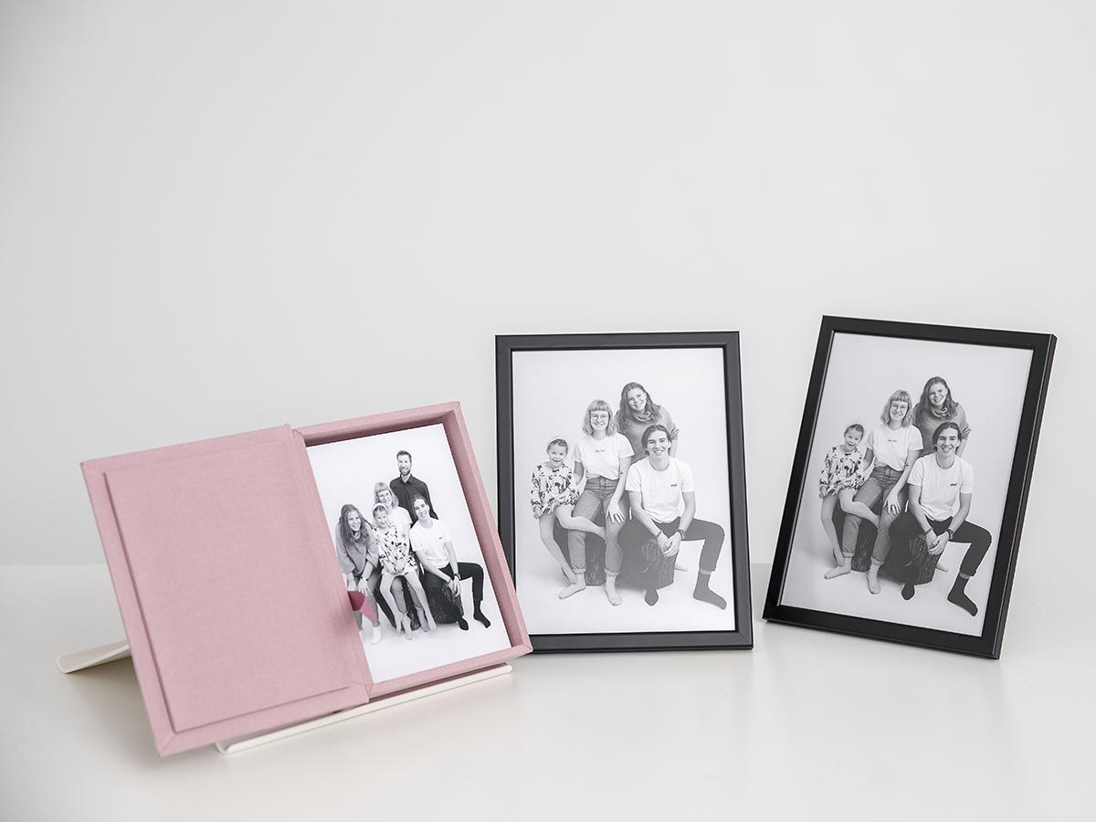 Pinkstudio by Angelina Devine Produkter-003 Far til fire hos fotografen Nyheder Portræt Udvalgte Fotograferinger