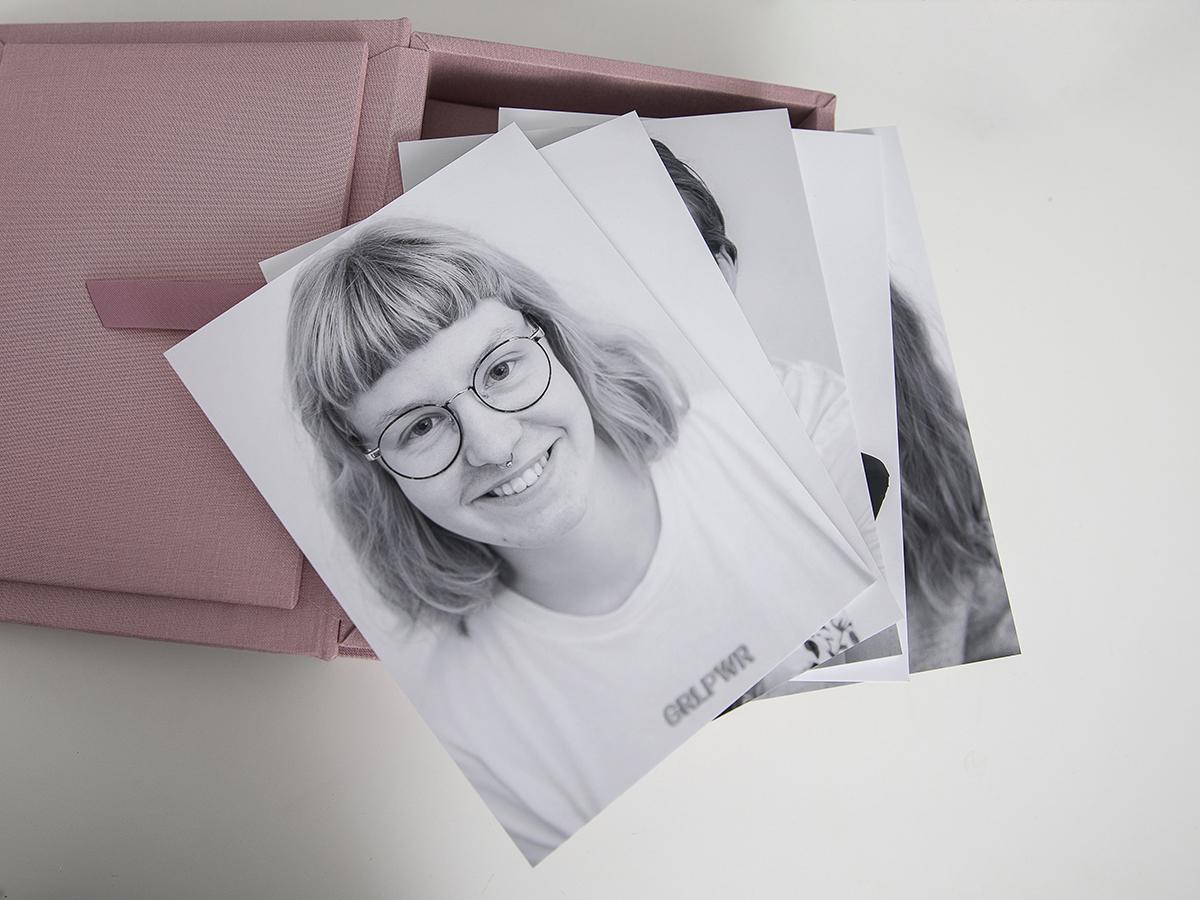 Pinkstudio by Angelina Devine Produkter-008 Far til fire hos fotografen Nyheder Portræt Udvalgte Fotograferinger