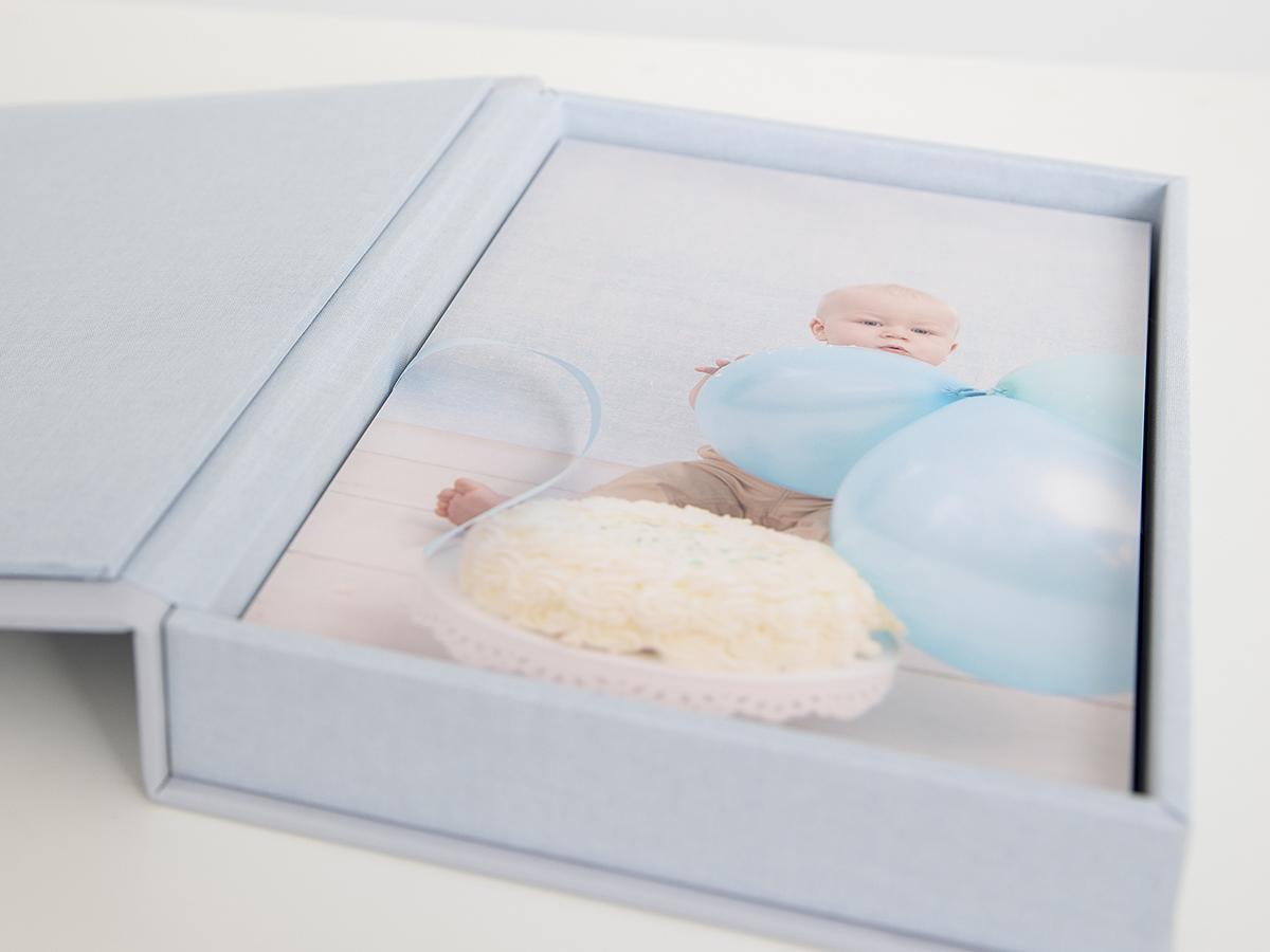 Pinkstudio by Angelina Devine Produkter-042 Vincents cake smash Nyheder Portræt Udvalgte Fotograferinger