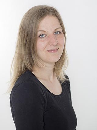 Pinkstudio by Angelina Devine Mirka-2_1 Gratis CV portræt Nyheder Tilbud