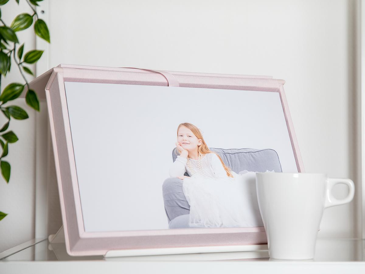 Pinkstudio by Angelina Devine FBen-kop-kaffe Kaffe + 500 kr. Bryllup Nyheder Portræt Tilbud