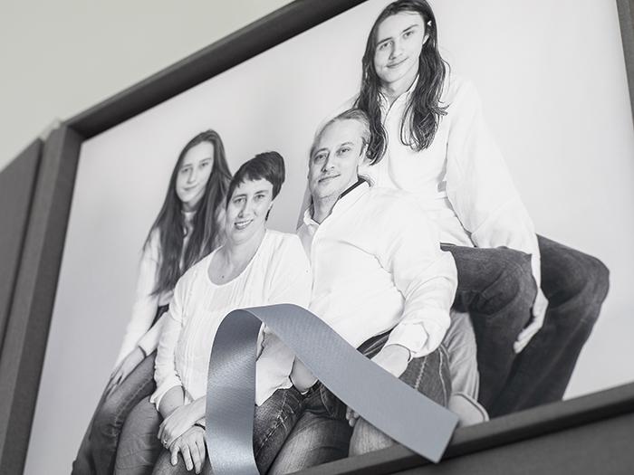 Pinkstudio by Angelina Devine Fam-Watkins-2 Familieportræt: Watkins familie Nyheder Portræt Udvalgte Fotograferinger