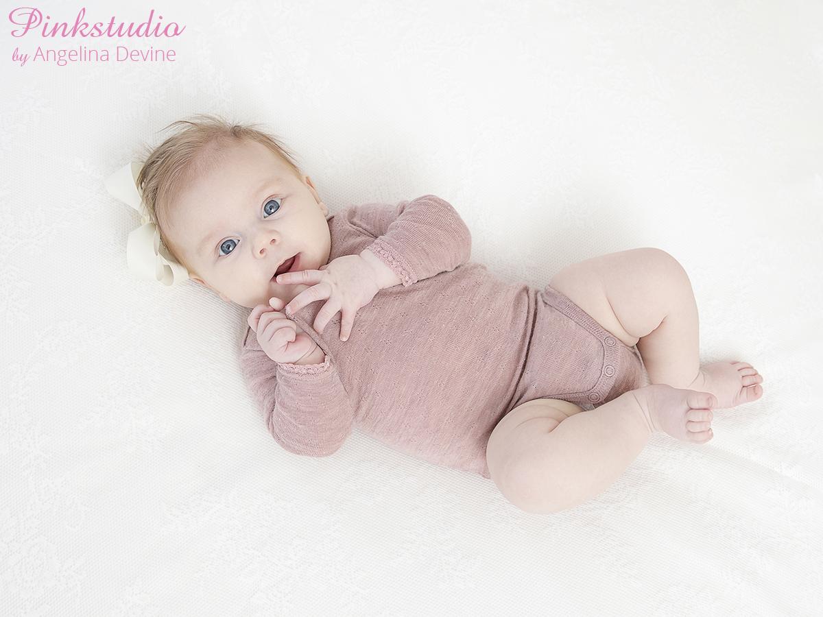 Pinkstudio by Angelina Devine Alberte-079 Alberte 3 måneder Baby Nyheder Portræt Udvalgte Fotograferinger