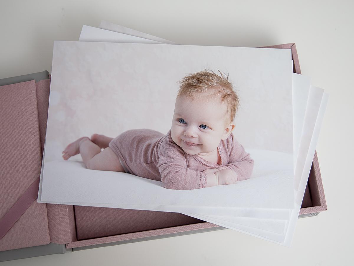 Pinkstudio by Angelina Devine Kvartalsfotografering-3 Alberte 3 måneder Baby Nyheder Portræt Udvalgte Fotograferinger