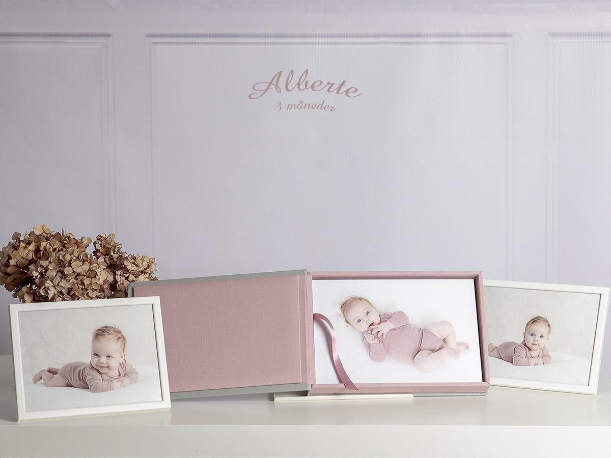 Pinkstudio by Angelina Devine Kvartalsfotografering-5 Alberte 3 måneder Baby Nyheder Portræt Udvalgte Fotograferinger