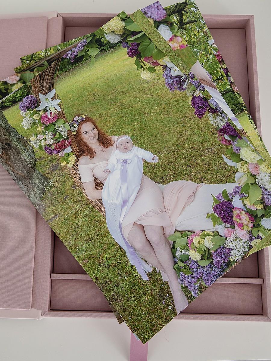 Pinkstudio by Angelina Devine Produkter-087 Celina, Mai og blomstergyngen Baby Nyheder Portræt Ugens fotografering