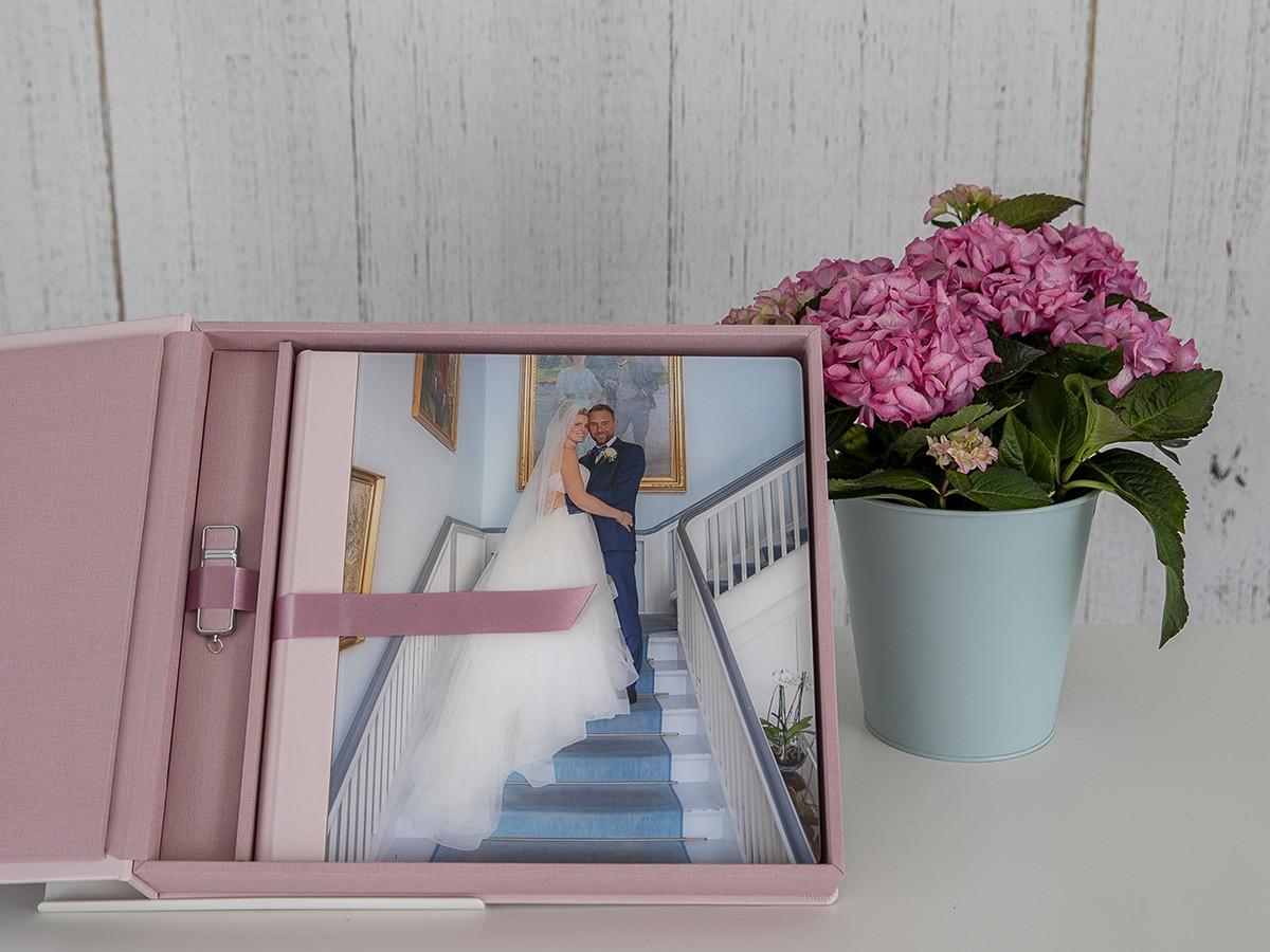 Pinkstudio by Angelina Devine FBs2Produkter-023 Mette og Thomas Bryllup Nyheder Udvalgte Fotograferinger
