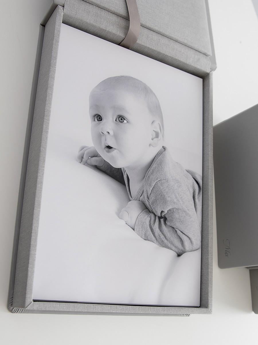 Pinkstudio by Angelina Devine WebProdukt-031 Max babyportrætter Baby Portræt Udvalgte Fotograferinger