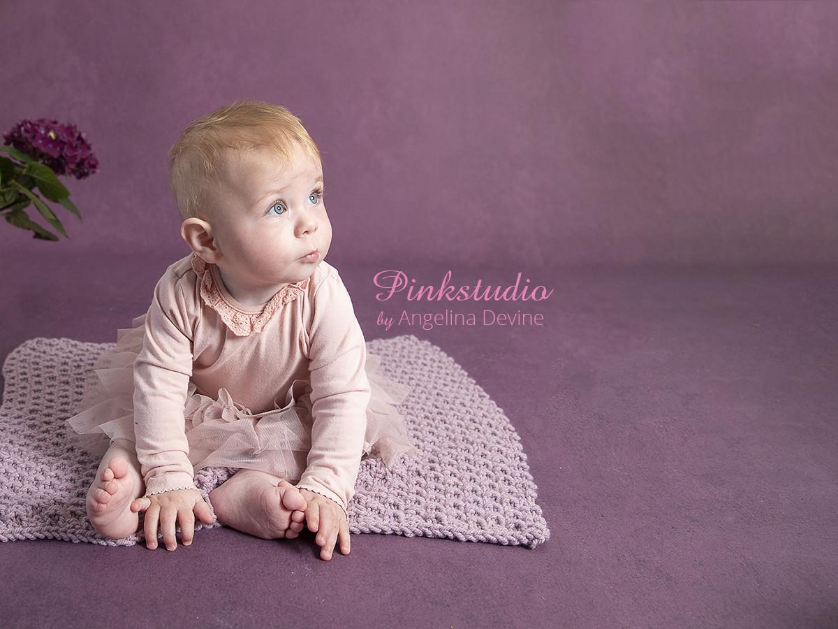 Pinkstudio by Angelina Devine Aya-baby-ja-188 Lyn konkurrence: Den brune baggrund Nyheder