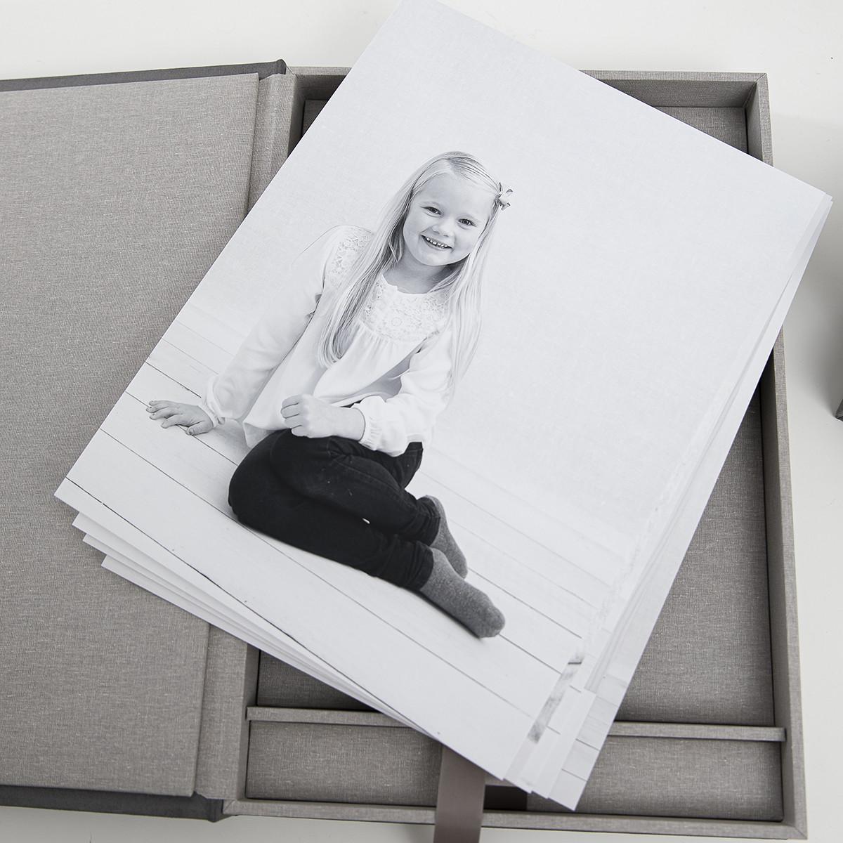 Pinkstudio by Angelina Devine Alba-og-Dirch-produkter-web-4 Alba og Dirchs søskendeportrætter Børn Nyheder Portræt Søskende Udvalgte Fotograferinger
