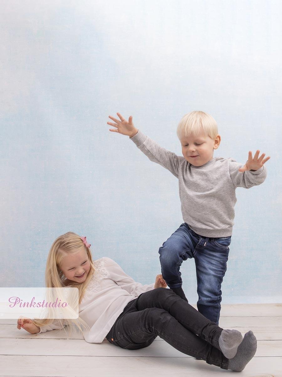 Pinkstudio by Angelina Devine Alba-og-Dirk-1157 Alba og Dirchs søskendeportrætter Børn Nyheder Portræt Søskende Udvalgte Fotograferinger