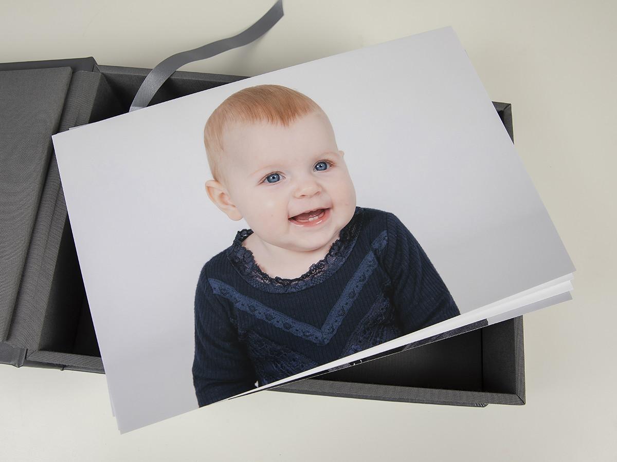 Pinkstudio by Angelina Devine web-Produkter-026 Puk og Maliks søskendeportrætter Baby Børn familie Nyheder Portræt Søskende Udvalgte Fotograferinger