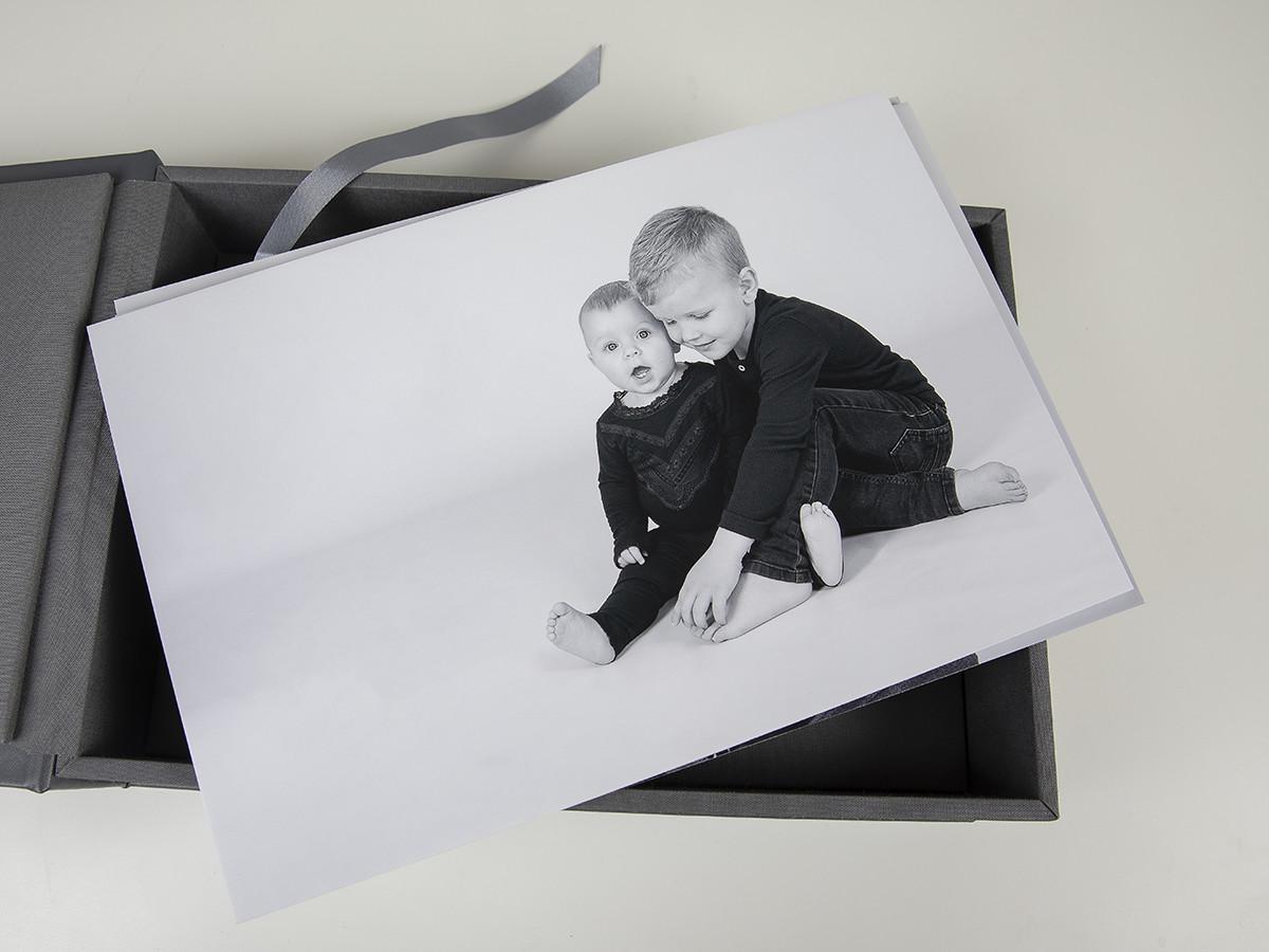 Pinkstudio by Angelina Devine web-Produkter-028 Puk og Maliks søskendeportrætter Baby Børn familie Nyheder Portræt Søskende Udvalgte Fotograferinger