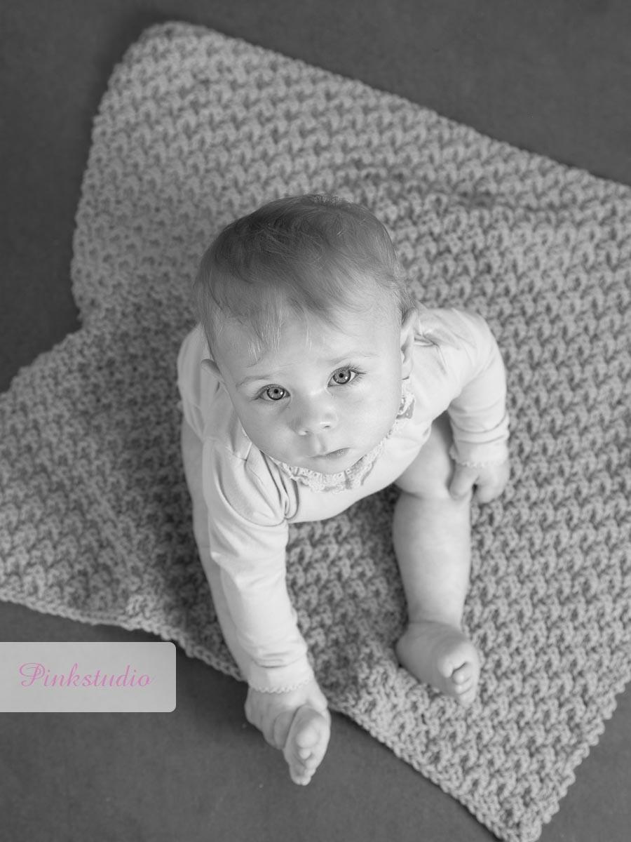 Pinkstudio by Angelina Devine Aya-baby-ja-116 Aya og den lilla baggrund Baby Nyheder Portræt Udvalgte Fotograferinger