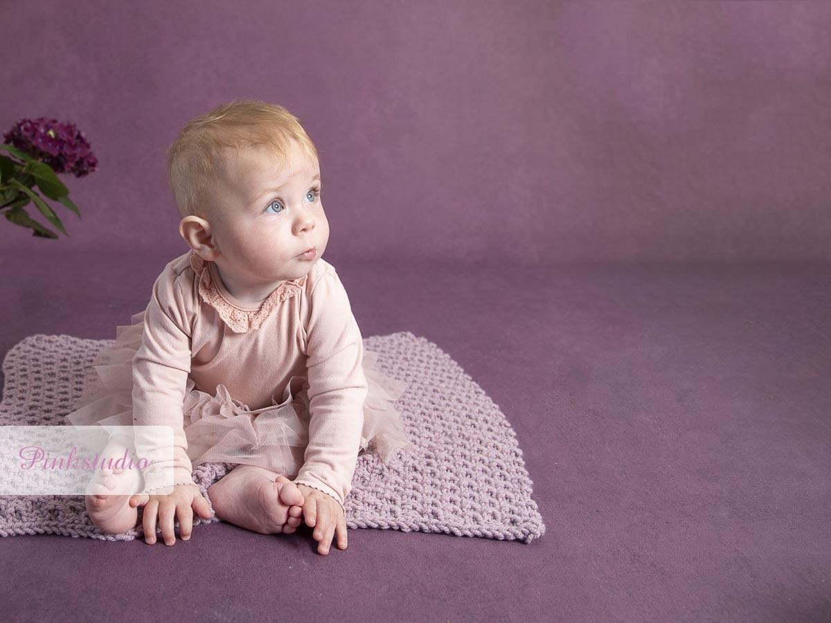 Pinkstudio by Angelina Devine Aya-baby-ja-188 Kvartalspakke GIVE AWAY Baby Nyheder Portræt Tilbud