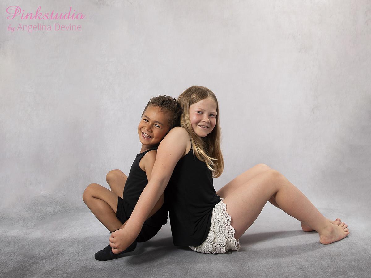 Pinkstudio by Angelina Devine Ea-og-Marly-web-5 The Dream Project: Ea & Marley Børn Nyheder Portræt Søskende