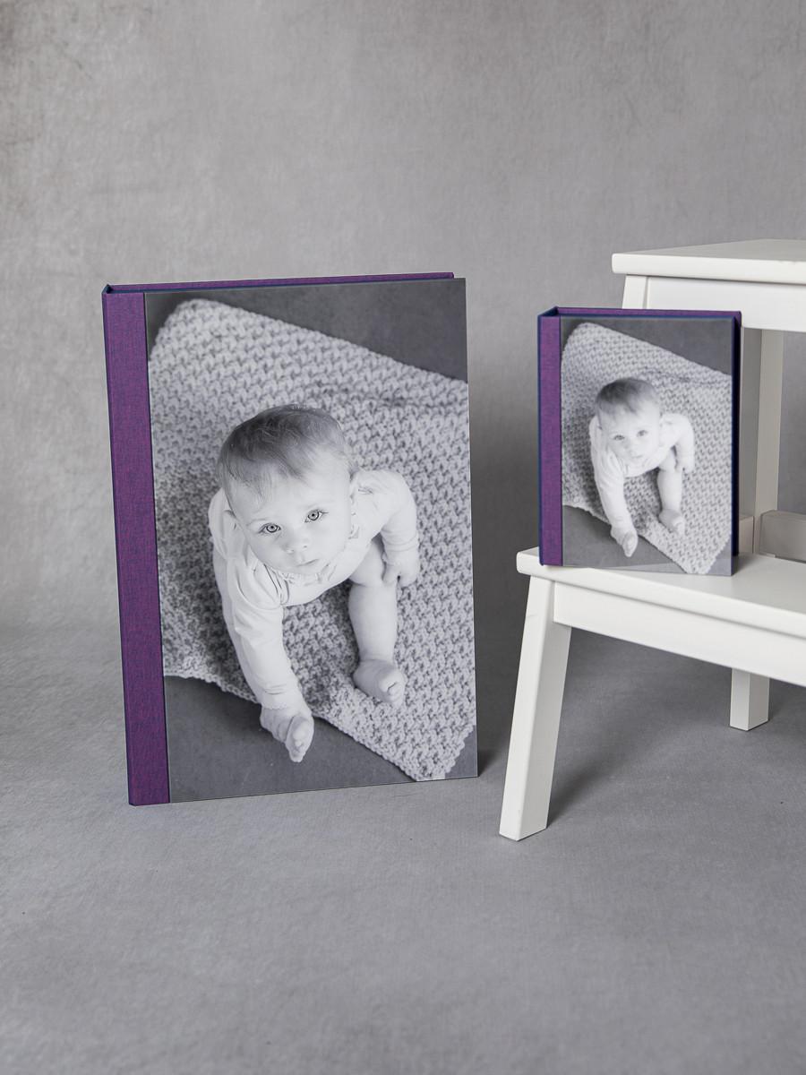 Pinkstudio by Angelina Devine My-og-Tristan-112 Aya og den lilla baggrund Baby Nyheder Portræt Udvalgte Fotograferinger