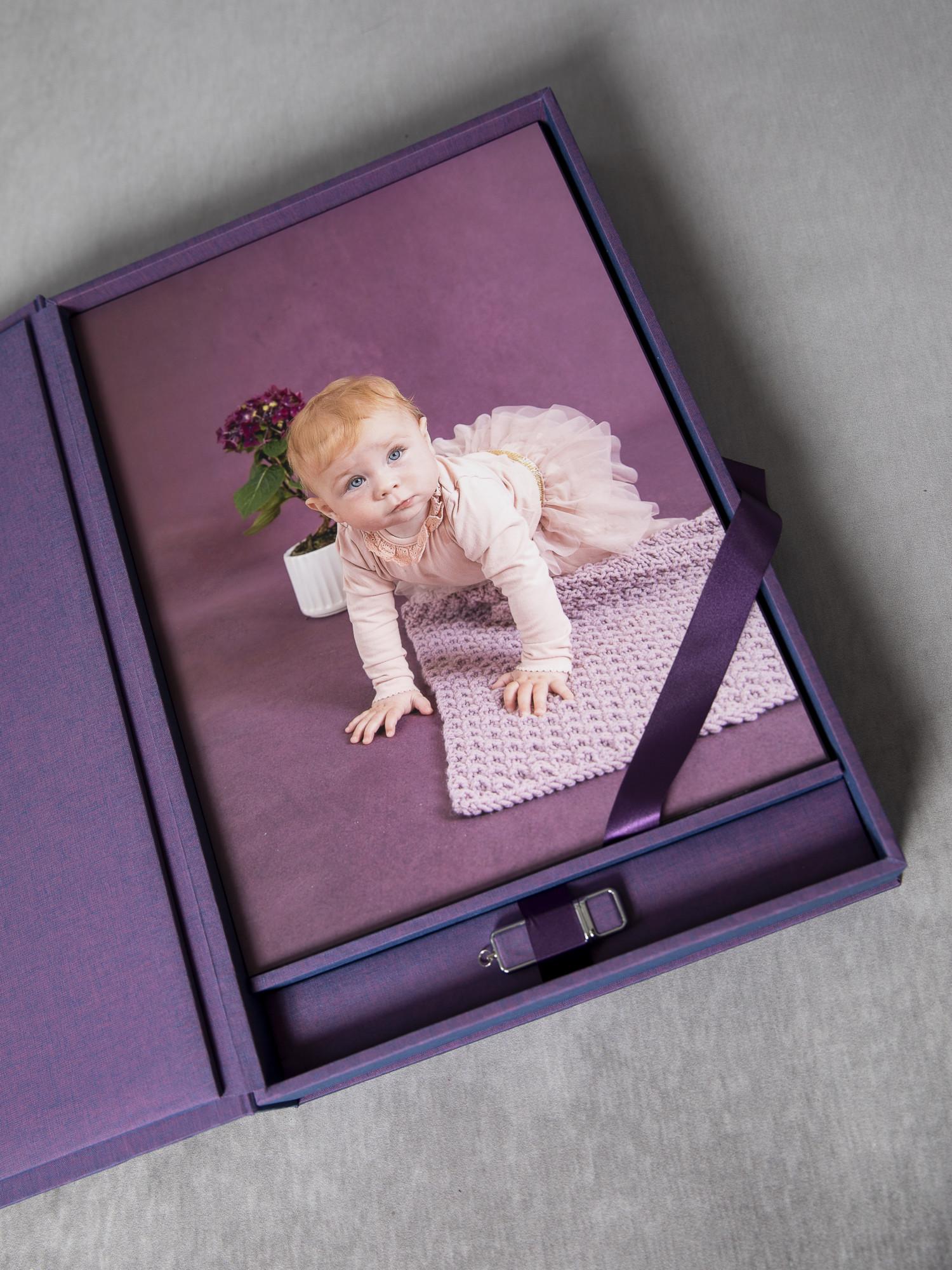 Pinkstudio by Angelina Devine My-og-Tristan-116 Forårstilbud: GRATIS babyfotografering Baby Nyheder Portræt Tilbud