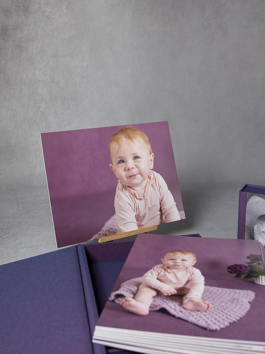 Pinkstudio by Angelina Devine My-og-Tristan-137_1 Aya og den lilla baggrund Baby Nyheder Portræt Udvalgte Fotograferinger