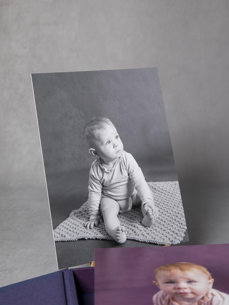 Pinkstudio by Angelina Devine My-og-Tristan-147_1 Aya og den lilla baggrund Baby Nyheder Portræt Udvalgte Fotograferinger