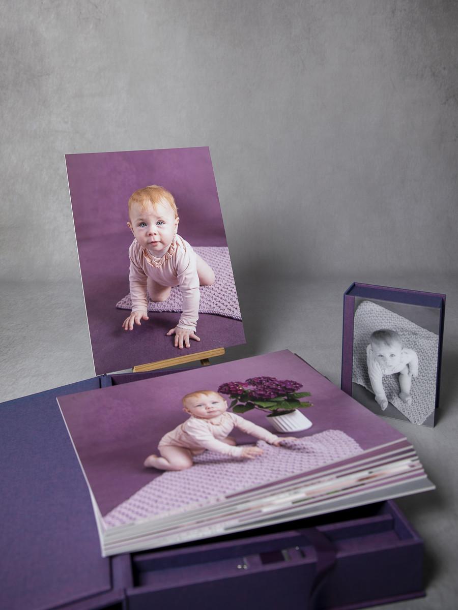 Pinkstudio by Angelina Devine My-og-Tristan-149_1 Aya og den lilla baggrund Baby Nyheder Portræt Udvalgte Fotograferinger