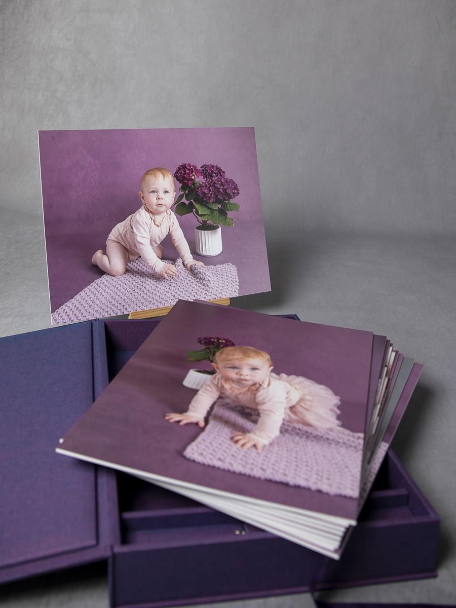 Pinkstudio by Angelina Devine My-og-Tristan-151_1 Aya og den lilla baggrund Baby Nyheder Portræt Udvalgte Fotograferinger