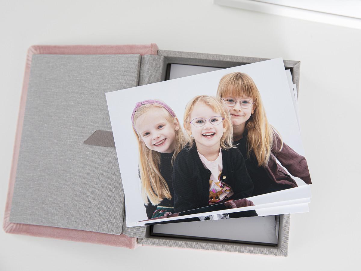 Pinkstudio by Angelina Devine Produkter-038 Vinies Børnebørn Børn Portræt Søskende Udvalgte Fotograferinger
