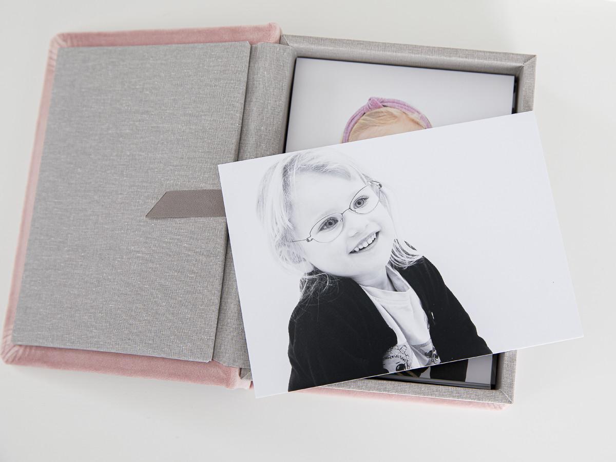 Pinkstudio by Angelina Devine Produkter-042 Vinies Børnebørn Børn Portræt Søskende Udvalgte Fotograferinger