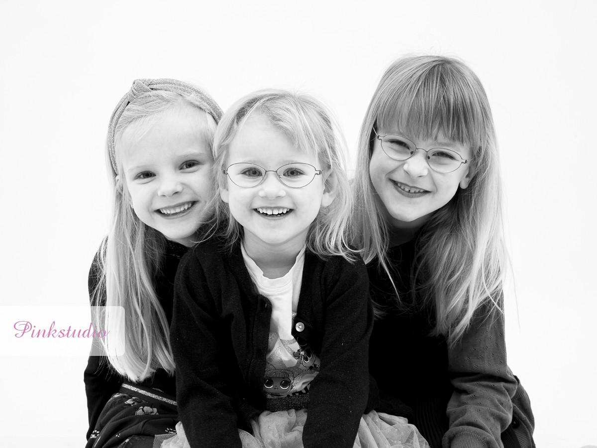 Pinkstudio by Angelina Devine Vinies-børnebørn-035 Vinies Børnebørn Børn Portræt Søskende Udvalgte Fotograferinger