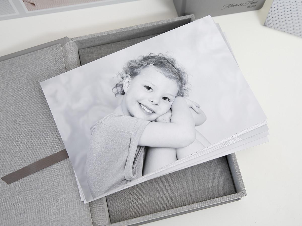 Pinkstudio by Angelina Devine web Alberte og Agnes Baby Børn Portræt Søskende Udvalgte Fotograferinger