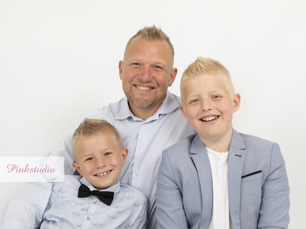 Pinkstudio by Angelina Devine Familien-Ravn-126 Fars dags tilbud: Far-barn fotografering 600,- Portræt Tilbud