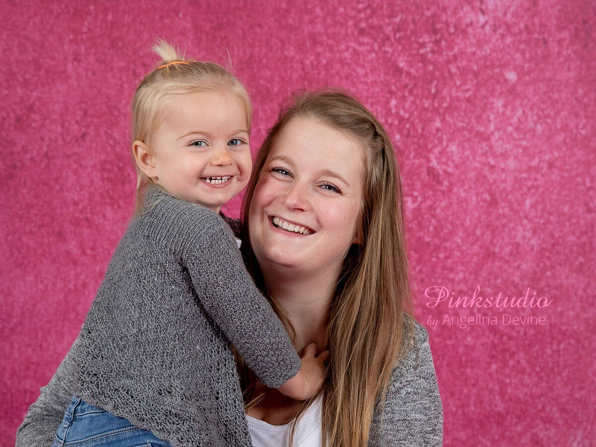 Pinkstudio by Angelina Devine morbarn Mors dags tilbud: Mor-barn fotografering 600,- Portræt Tilbud