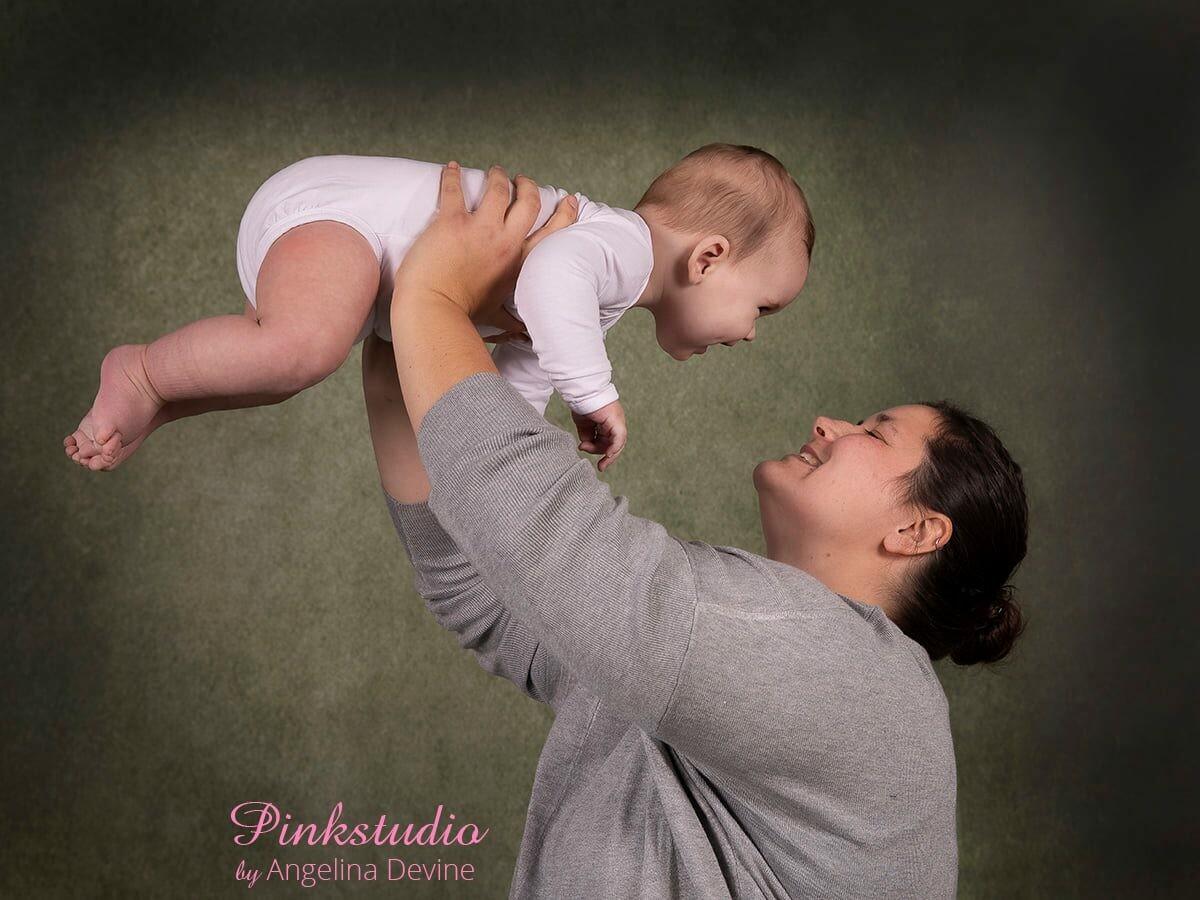 Pinkstudio by Angelina Devine morbarn2 Mors dags tilbud: Mor-barn fotografering 600,- Portræt Tilbud