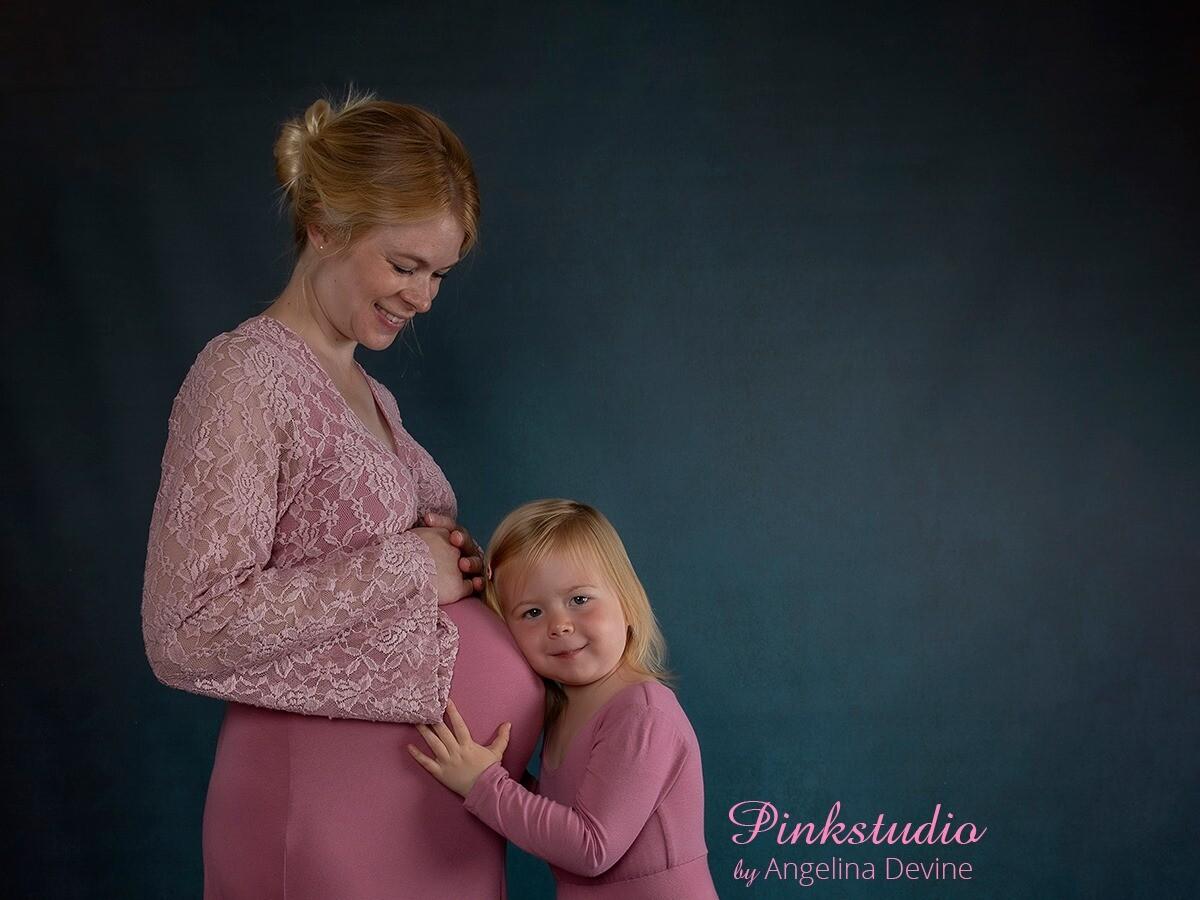 Pinkstudio by Angelina Devine morbarn6 Mors dags tilbud: Mor-barn fotografering 600,- Portræt Tilbud