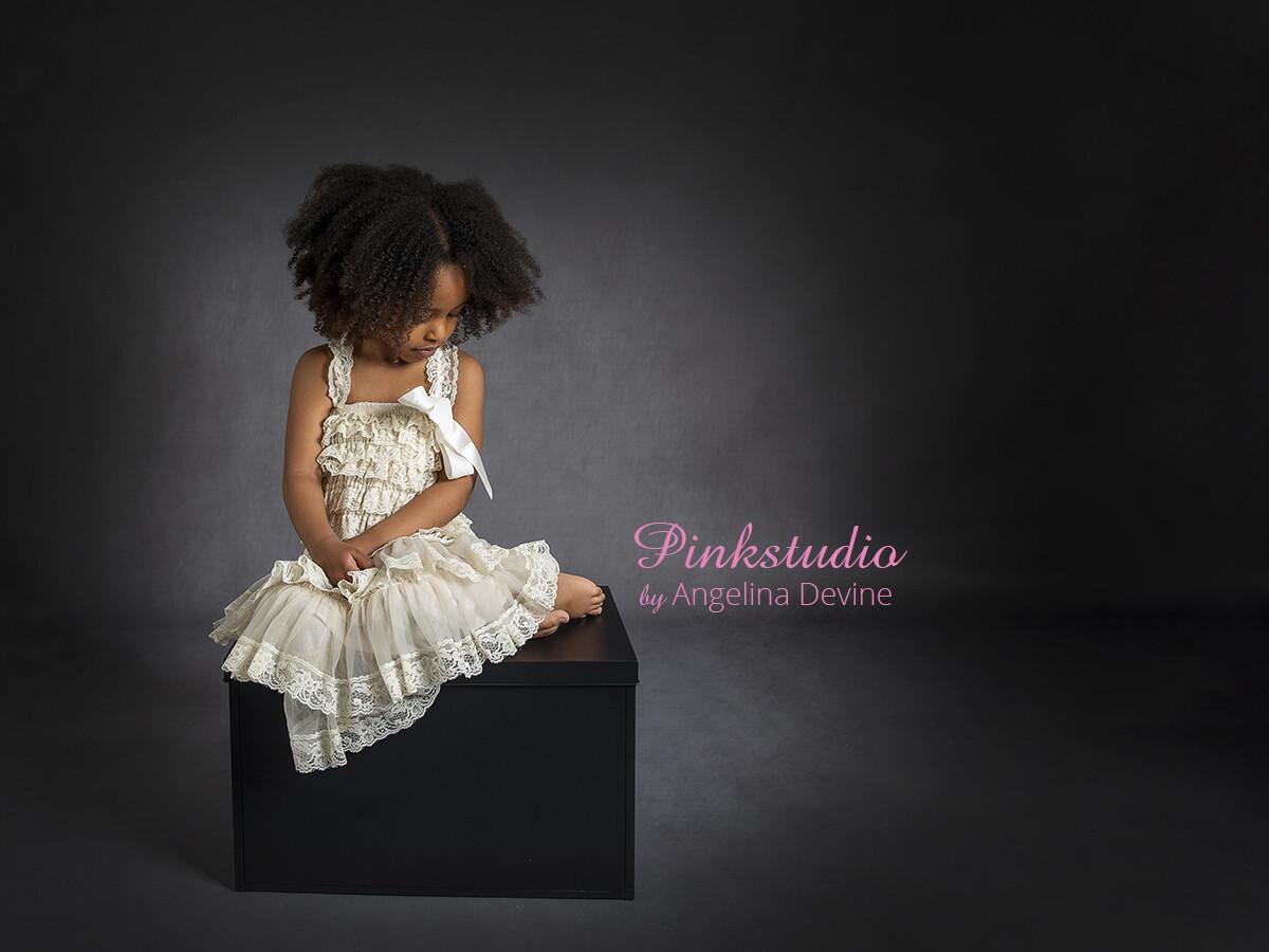 Pinkstudio by Angelina Devine Sophia-og-Yaqup-soeskende-ja-144 Børnemodeller søges Nyheder Tilbud