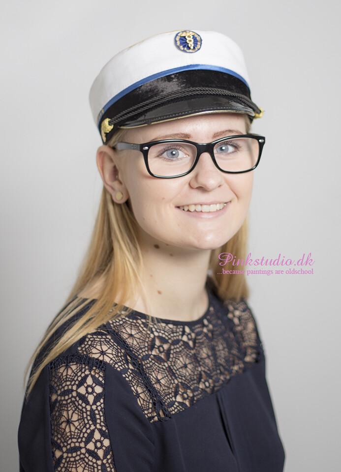 Pinkstudio by Angelina Devine Sofie Studenter tilbud: Studenterportræt 600,- Portræt Tilbud